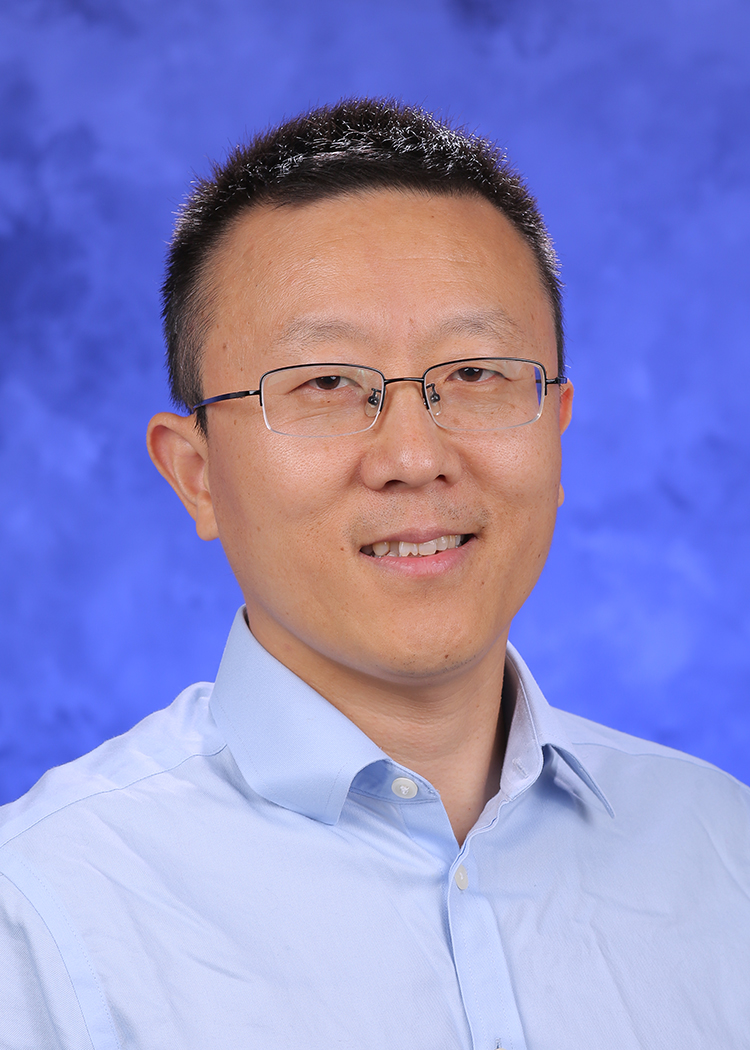 Photo of Lijun Zhang
